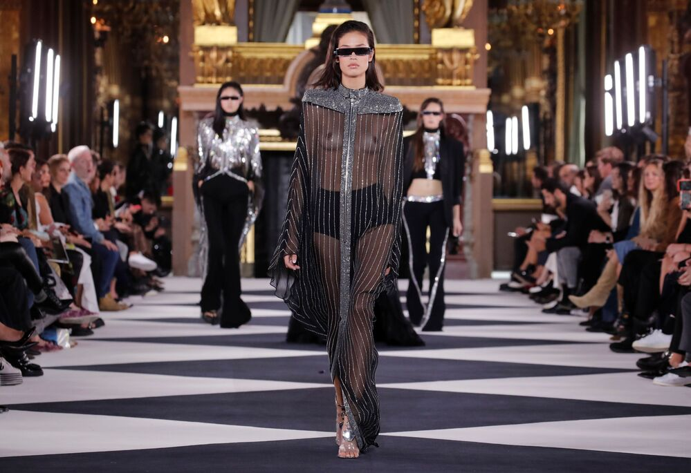 A model presents a creation by designer Olivier Rousteing as part of his Spring/Summer 2020 women's ready-to-wear collection show for Balmain fashion house during Paris Fashion Week in Paris, France, September 27, 2019.