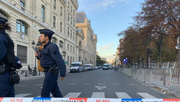 French police secure the area in front of the Paris Police headquarters in Paris , France, October 3, 2019 - Sputnik International