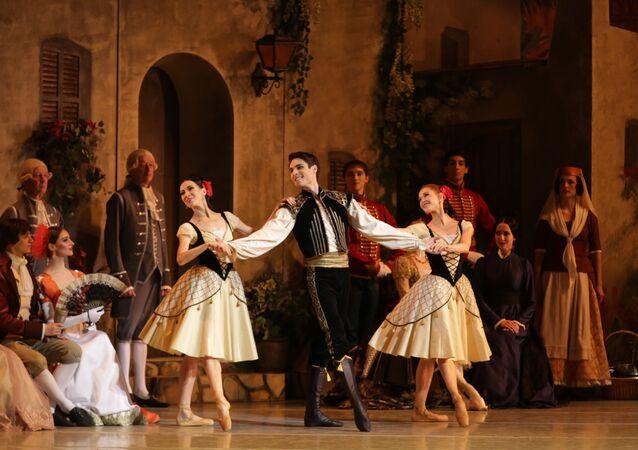 "Mariinsky Ballet ""Paquita"". Timur Askerov (middle)"