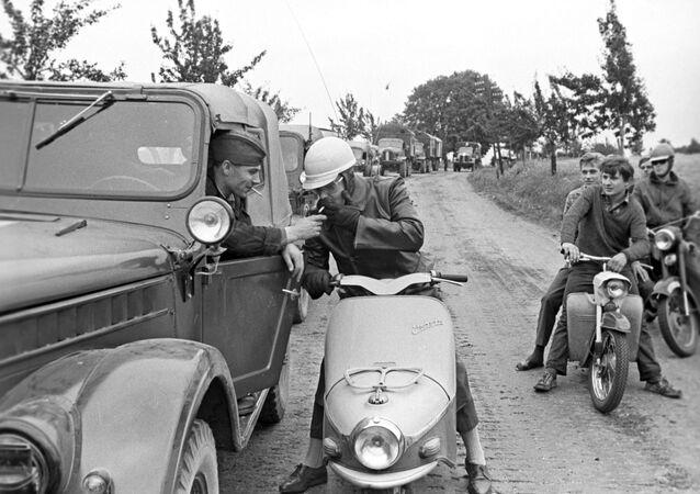 Warsaw Pact troops enter Czechoslovakia in 1968