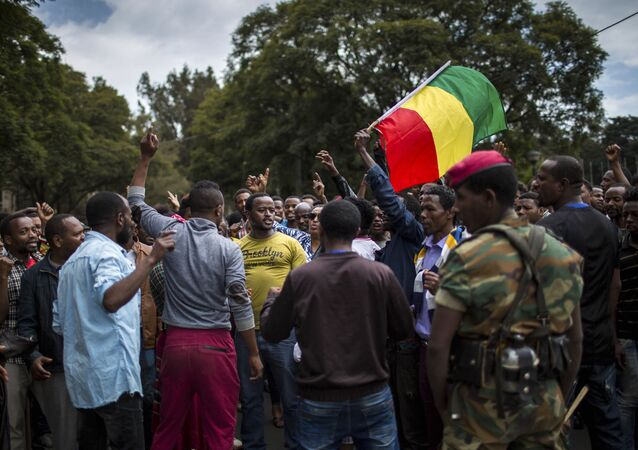 Thousands of protestors from the capital and those displaced by ethnic-based violence over the weekend in Burayu, demonstrate to demand justice from the government in Addis Ababa, Ethiopia Monday, Sept. 17, 2018.