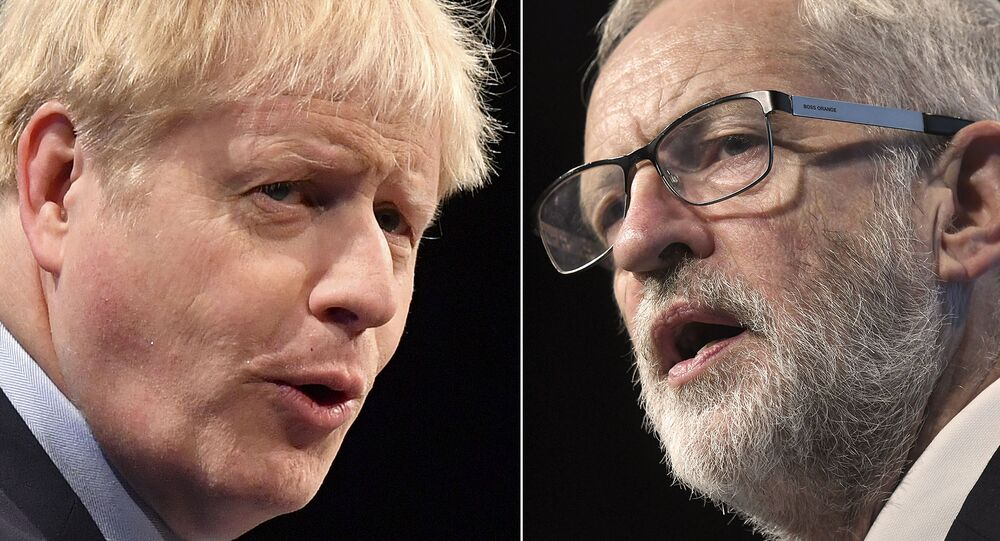 A combination of pictures created in London on November 1, 2019 shows Britain's Prime Minister and Conservative Party leader Boris Johnson (L) and Britain's main opposition Labour Party leader Jeremy Corbyn (R) giving speeches.