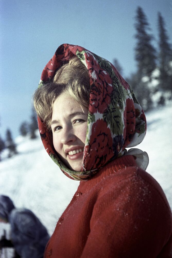 A woman during a Sunday ski walk on a winter day in Perm (1966)