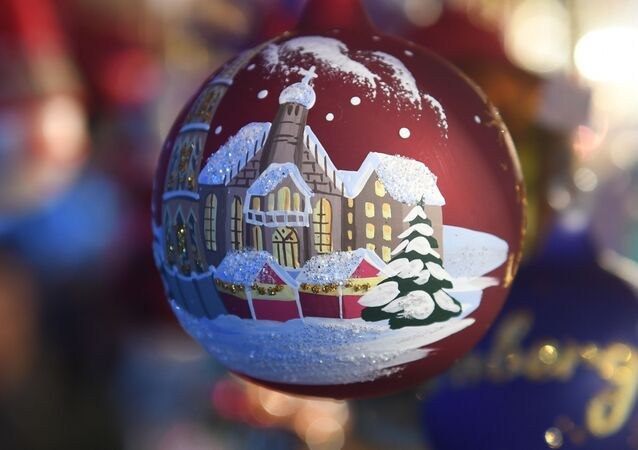 Christmas balls are for sale at the traditional Christmas Market in Nuremberg, southern Germany, on December 1, 2017. - The traditional Nuernberger Christkindlesmarkt opens from December 1 to December 24, 2017.