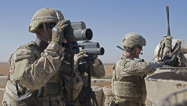 US Army, soldiers surveil the area during a combined joint patrol in Manbij, Syria (File) - Sputnik International