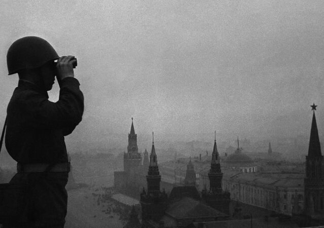 Moscow. August 1941. Guarding Moscow's air space. The Radio-Technical Troops of the Soviet Air Defense Force are intended to conduct air reconnaissance