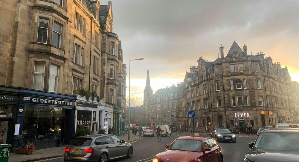 Busy Street In Edinburgh South