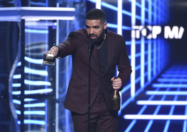 Drake accepts the the award for top male artist at the Billboard Music Awards on Wednesday, May 1, 2019, at the MGM Grand Garden Arena in Las Vegas.