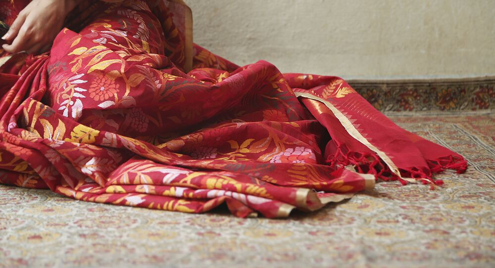 Artwork on Sari