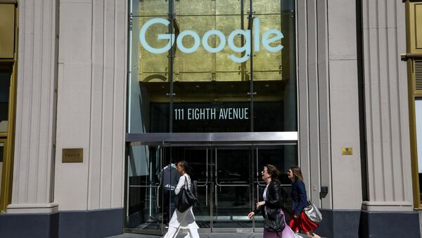 People pass by an entrance to Google offices in New York, U.S., June 4, 2019 - Sputnik International