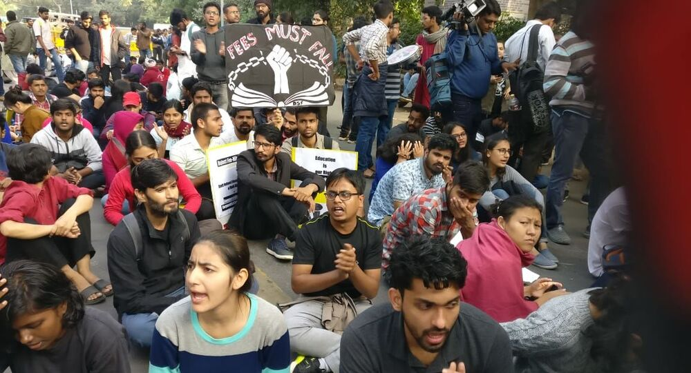 Massive Protests by University Students in New Delhi Against Fee Hike and Education Privatisation