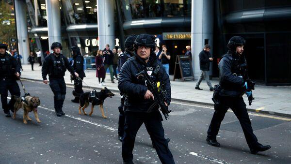 Police Officers Near the Site of an Incident at London Bridge - Sputnik International
