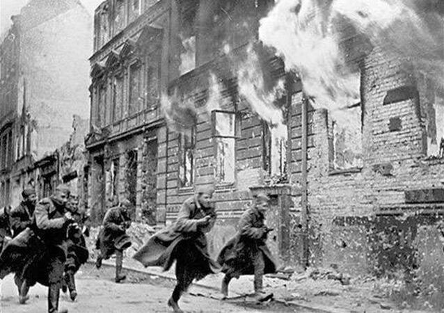 Soviet soldiers are seen during the Battle of Berlin. File photo