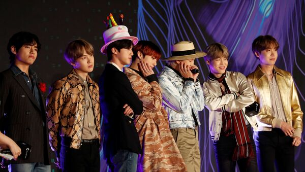 Members of South Korean boy band BTS pose on the red carpet during the annual MAMA Awards at Nagoya Dome - Sputnik International