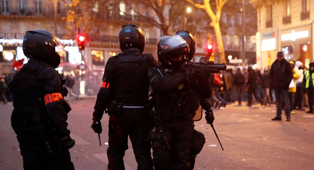 Youths clash with police in new night of trouble in Paris suburbs