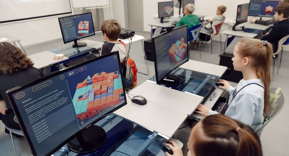 Students of 23 countries will learn programming with the help of the game