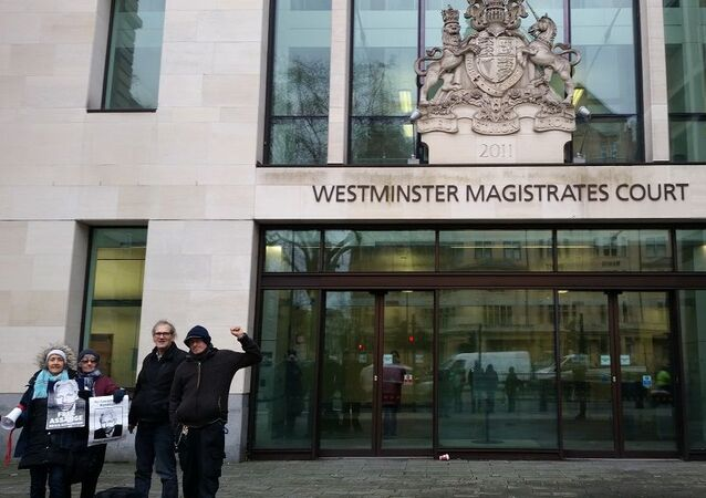 Assange supporters outside Westminster Magistrates Court 13 December 2019