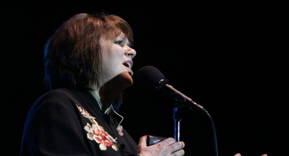 Linda Ronstadt performs at the Newport Folk Festival in Newport