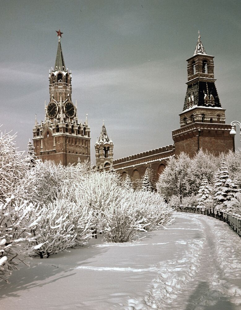 What could be more iconic than the Moscow Kremlin in the winter?