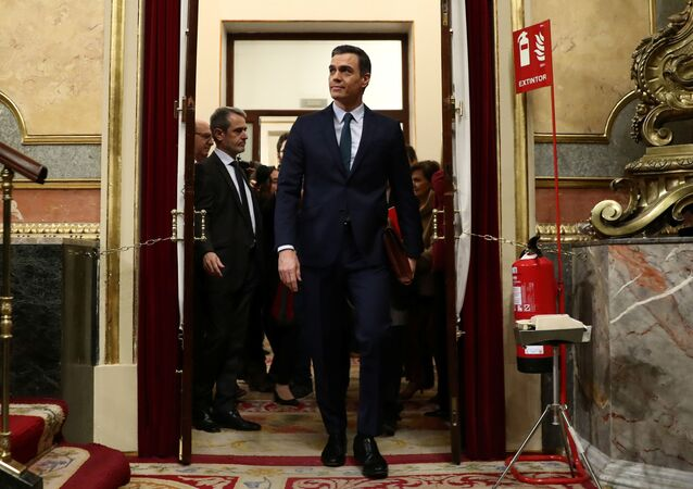 Spain's acting Prime Minister Pedro Sanchez arrives to attend the investiture debate at the Spanish Parliament in Madrid, Spain, 5 January 2020. REUTERS/Sergio Perez