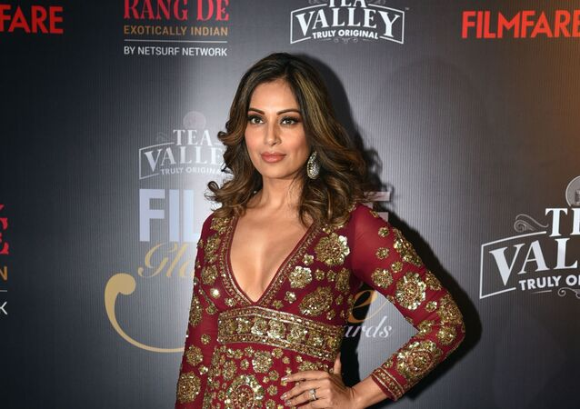 Indian Bollywood actress Bipasha Basu attends the 'Filmfare Glamour and Style Awards' ceremony in Mumbai on February 12, 2019.
