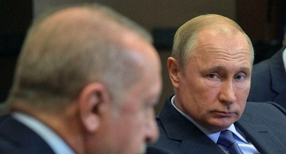 Russian President Vladimir Putin mets with Turkish President Erdogan