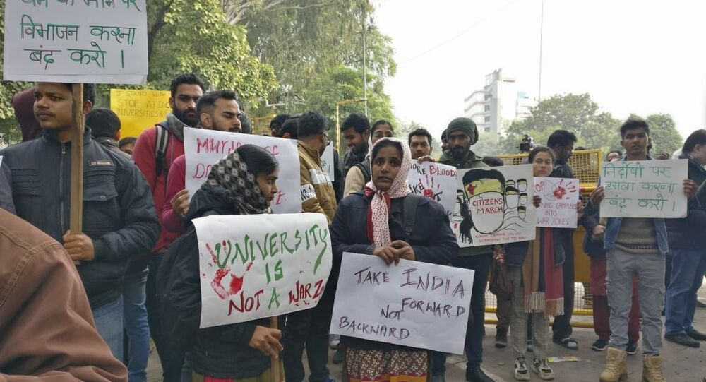 Jawaharlal Nehru University Students are protesting at Mandi House area in Delhi against the attack by masked men and women on campus on Sunday evening.