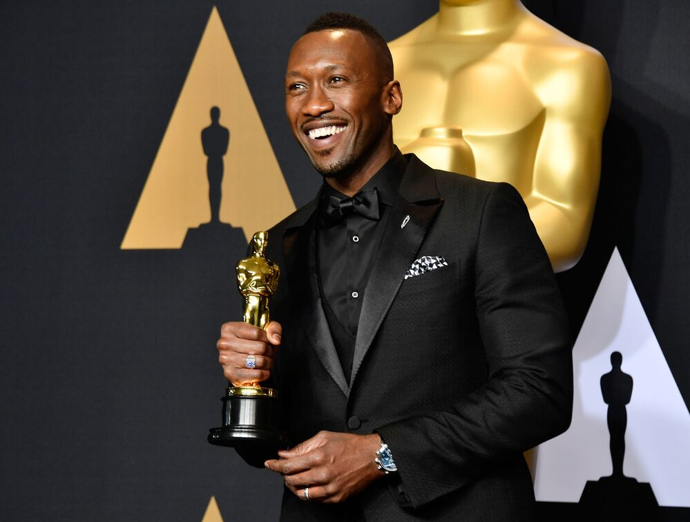 Actor Mahershala Ali, winner of Best Supporting Actor for 'Moonlight' poses in the press room during the 89th Annual Academy Awards at Hollywood & Highland Center on February 26, 2017 in Hollywood, California.