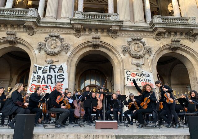Action by Opera of Paris Artists Against Pension Reform
