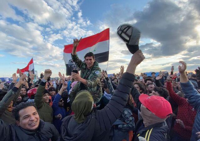 Iraqi demonstrators in Nassiriya, Iraq