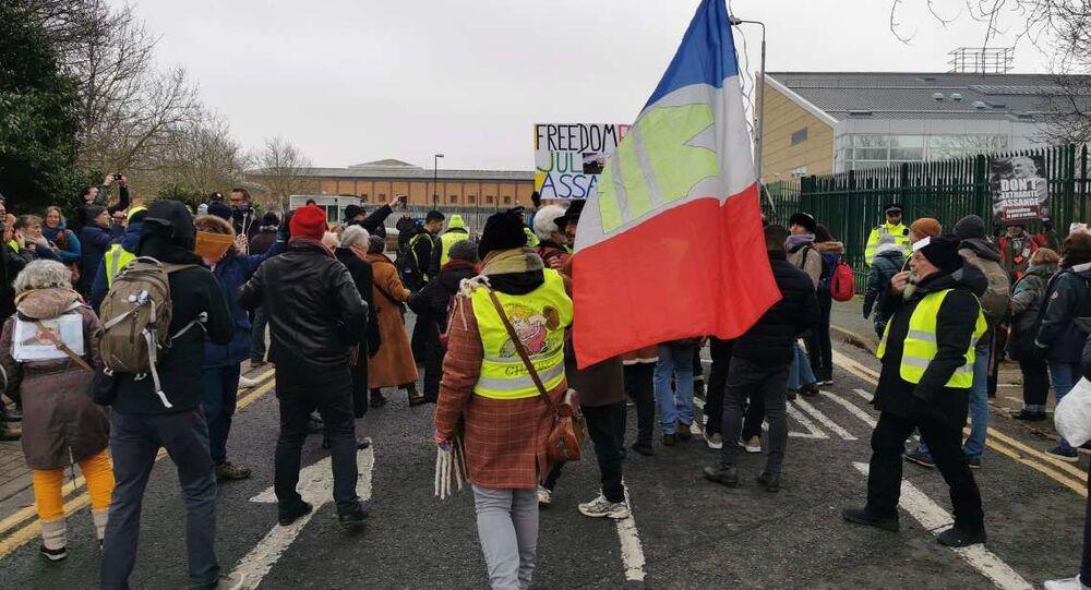 Yellow Vest Rally for Julian Assange