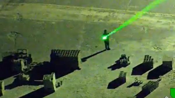 US Man Arrested for Pointing Lasers at Planes Landing at Florida Airport - Sputnik International