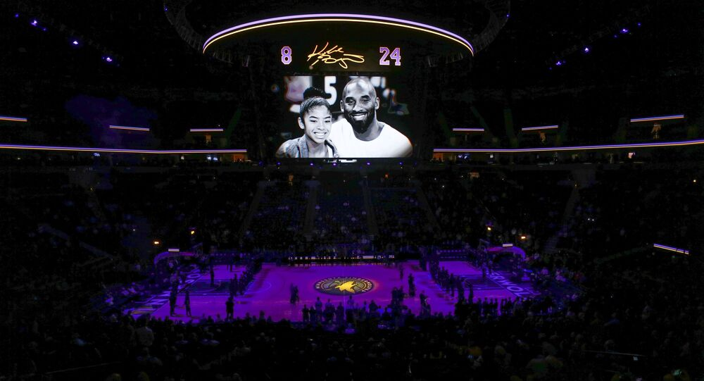 The Minnesota Timberwolves pause to remember Kobe Bryant and his daughter Gianna before the game with the Sacramento Kings at Target Center, Minneapolis, Minnesota, 27 January 2020
