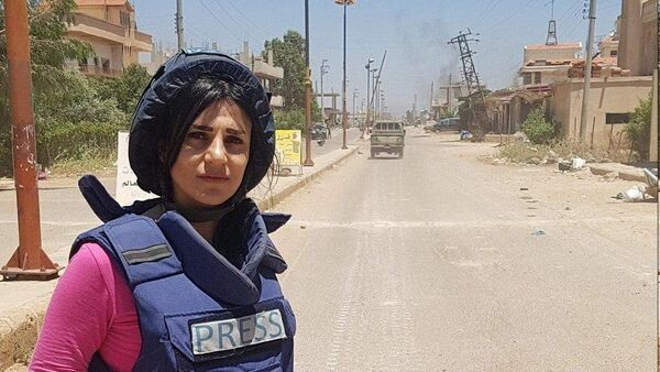 RT correspondent in Syria, Wafa Shabrouney, was seriously injured in the province of Idlib , during the withdrawal of the mercenaries from the city of Maarrat al-Nuuman - Sputnik International