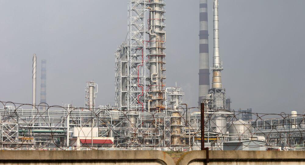 Oil refinery and the Druzhba oil pipeline