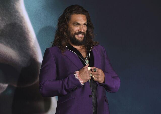 Jason Momoa arrives at the Los Angeles premiere of Joker