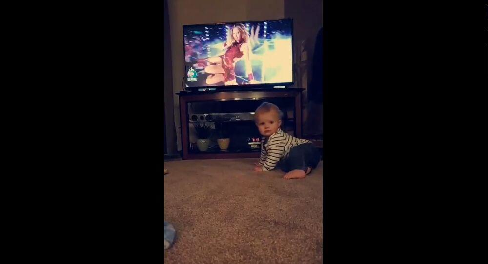 Baby Dancing to Shakira
