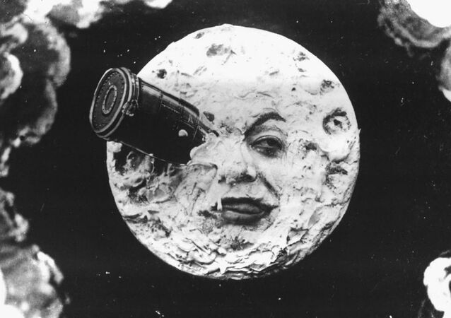 Screenshot from Le Voyage dans la lune (A Trip to the Moon, 1902)