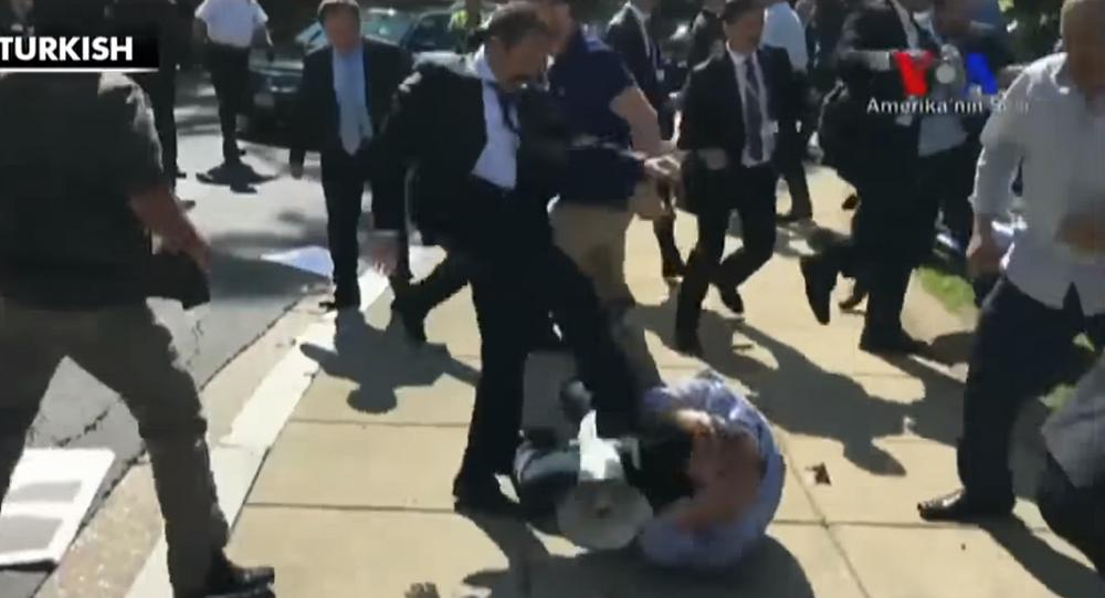 Clashes erupt between protestors and supporters of Turkish president Erdogan