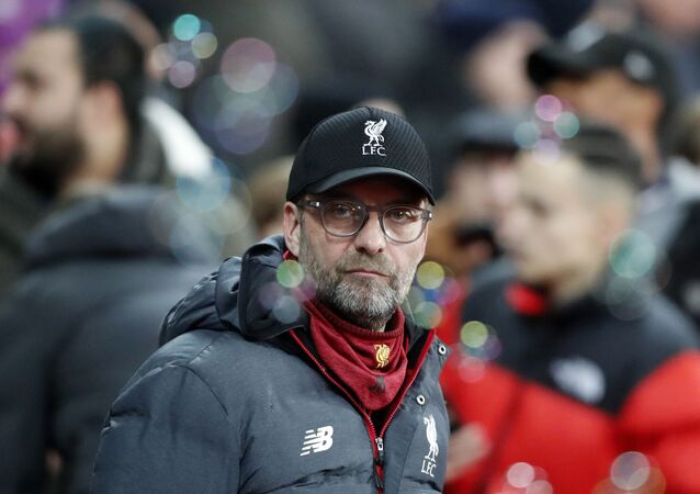 Liverpool's manager Jurgen Klopp looks on before the English Premier League soccer match between West Ham Utd and Liverpool at London Stadium in London, 29 January 2020