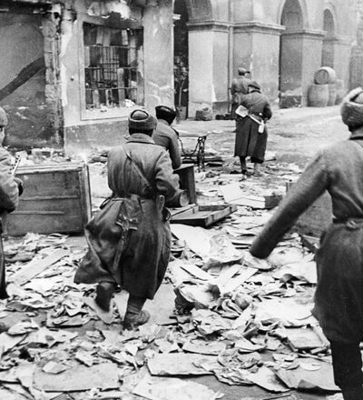 Lieutenant Ya. Gorynin's assault group attacking Nazi forces in Budapest