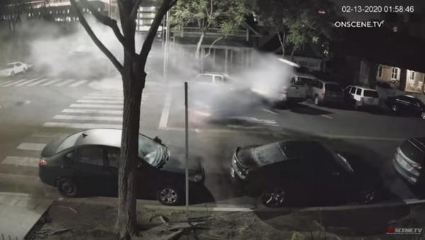 Video: Suspected Drunk Driver Launches Car Skyward After Hitting Boulder  - Sputnik International