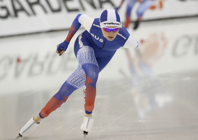 Russia's Natalia Voronina competes during the women's 3,000 meters at the world single distances speedskating championships