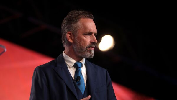 Jordan Peterson speaking with attendees at the 2018 Student Action Summit hosted by Turning Point USA - Sputnik International