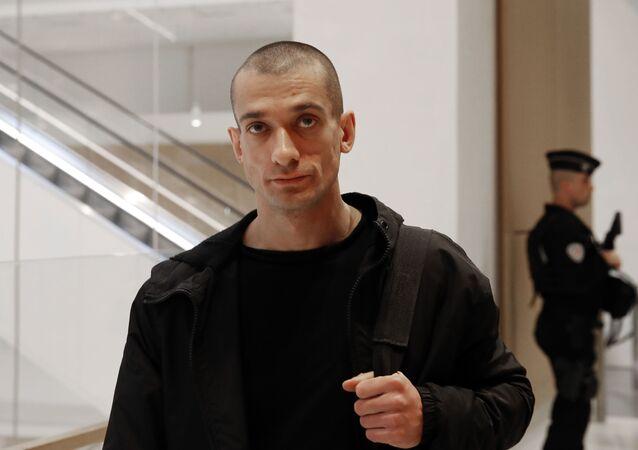 Russian performance artist Pyotr Pavlensky at the Paris courthouse