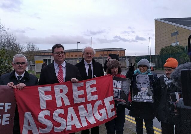Andrew Wilkie George Christensen and John Shipton outside Belmarsh Prison 18 Feb 2020