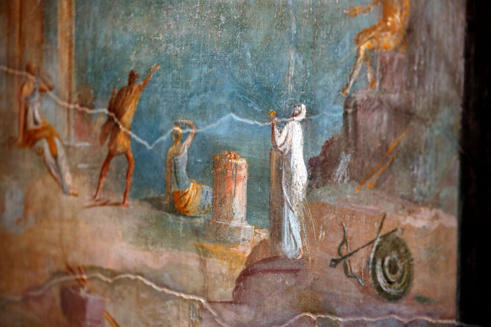 A fresco is pictured inside  the House of Orchard Casa del Frutteto, one of three restored domus (ancient houses) reopened to the public at the archaeological site of Pompeii, Italy, 18 February 2020.