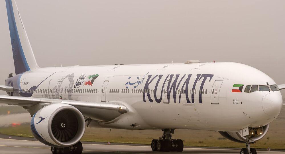 9K-AOE Kuwait Airways Boeing 777-369(ER) coming in from Kuwait