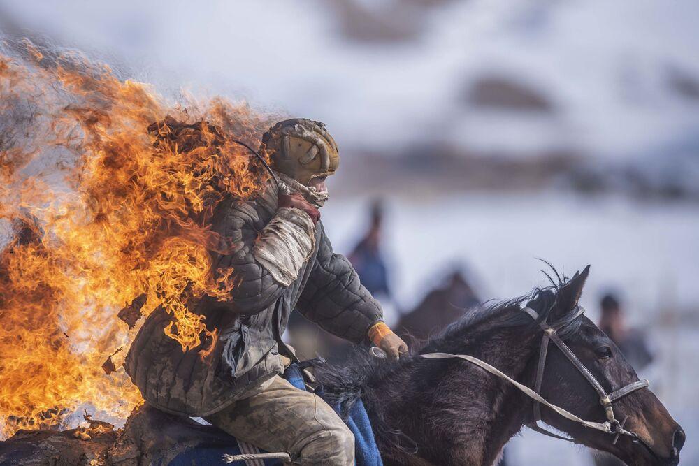 Stuntman during the traditional horse game Kok-boru Championship in Kyrgyzstan