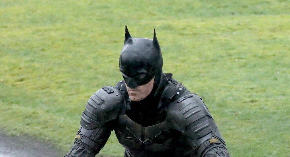 'The Batman' Leaked Pics, Video Reveals The New Batsuit, Batmobile, & Catwoman